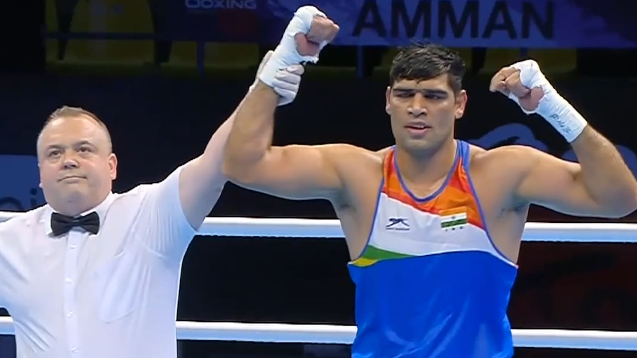 Boxer Satish Kumar enters the quarterfinals of Men