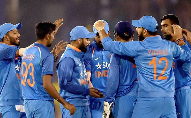 India beat England by 15 runs in 2nd ODI at Cuttack, seal series