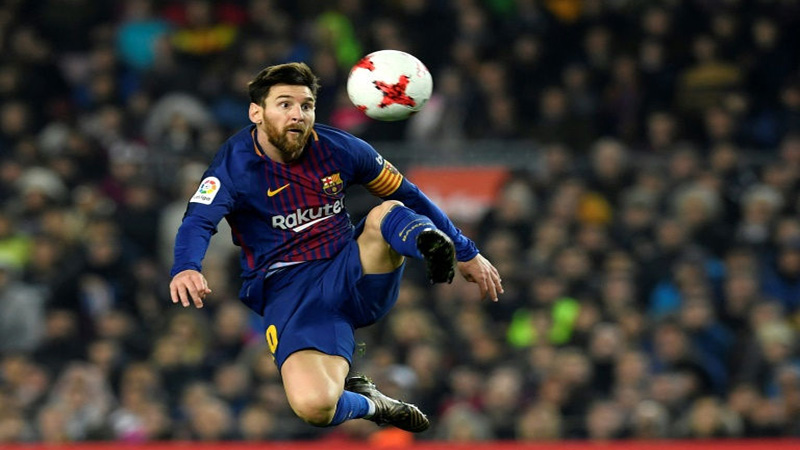 Soccer : Barcelona through to Cup semis as Coutinho makes debut