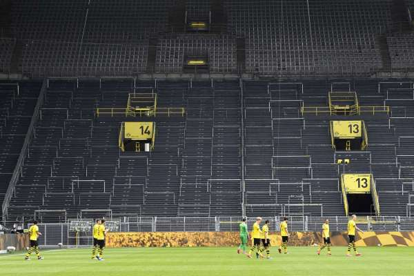 Bundesliga restarts with empty stadium