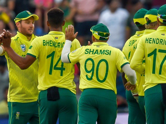 South Africa clinch series after thrilling finish in second T20 International