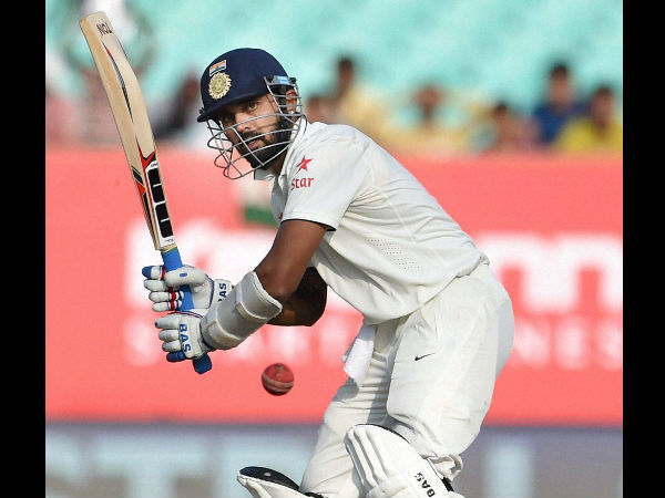 India reach 193 for two wickets at lunch on day 3