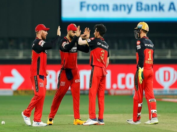 RCB and KXIP players wears black armband as mark of tribute to Dean Jones