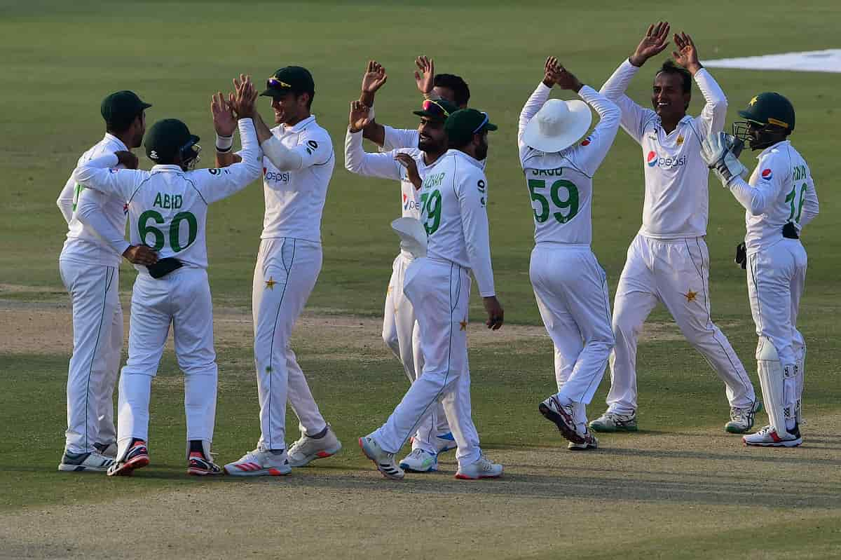 pakistanbeatssouthafricaby7wicketsonday4of1sttestinkarachi