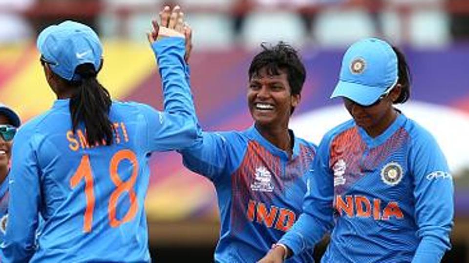 indiawomendefeatsouthafricaby5wicketsin5tht20match