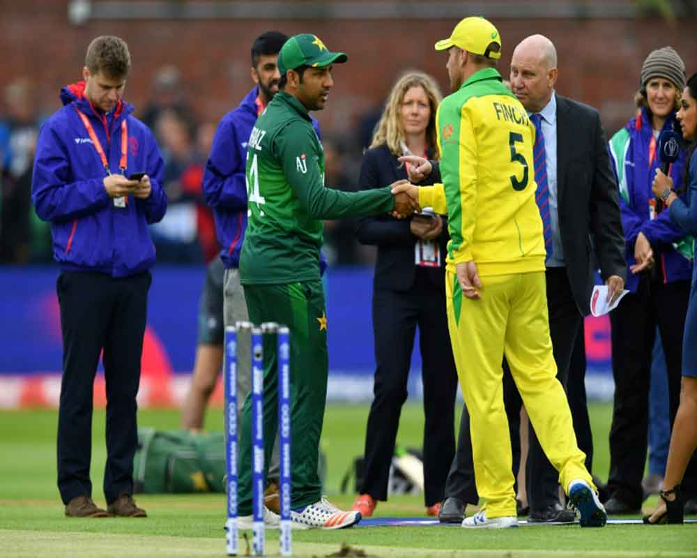 Sarfaraz wins toss, elects to bowl against Australia