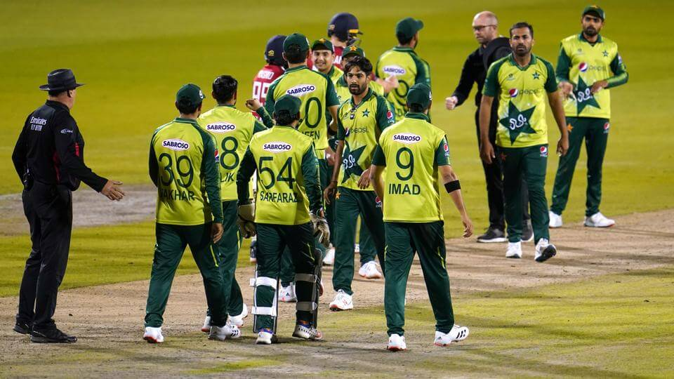Six Pakistan cricketers test positive for COVID-19 in New Zealand, gets final warning from health authorities