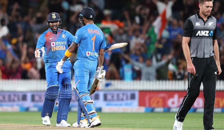 India beat New Zealand via Super Over to take an unbeatable 3-0 lead in 5-match T20I series