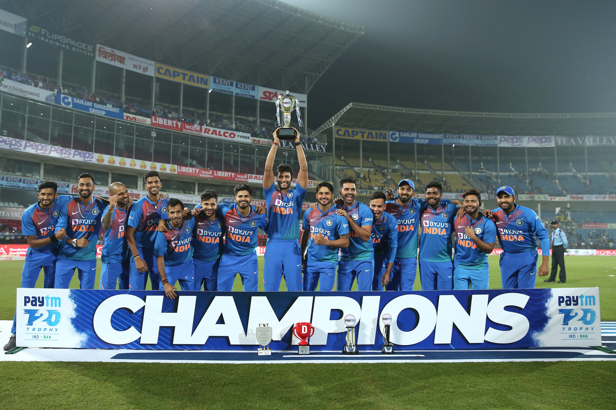 India clinch the three-match T20 series against Bangladesh