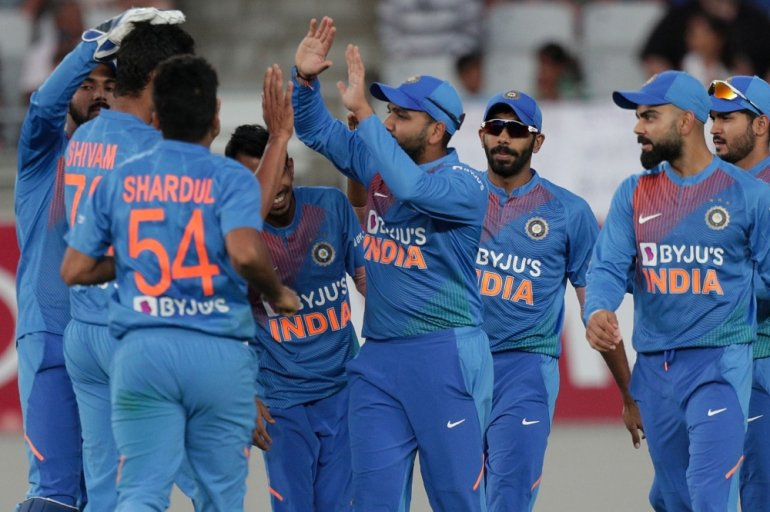 India beat New Zealand by 6 wickets in Twenty20 opener