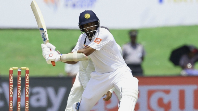 Sri Lanka reach 289 for 8 at lunch against India