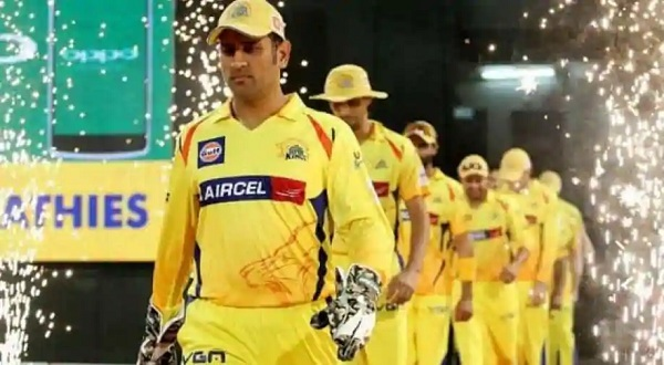 IPL 2020: Chennai Super Kings Captain MS Dhoni Returns to Action as Records Beckon