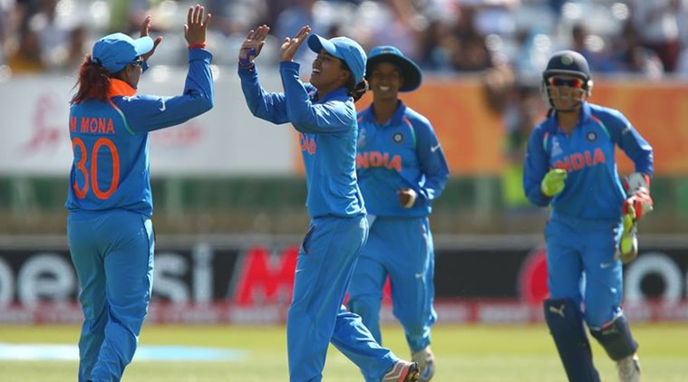India beat Pakistan by 7 wickets to reach final of women