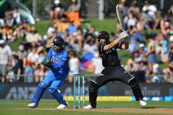 3rd ODI: New Zealand set target of 244 runs for India to win