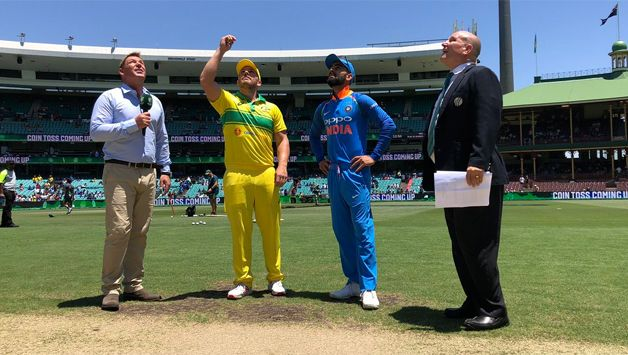 Australia made 107 runs without loss in 21 overs against India