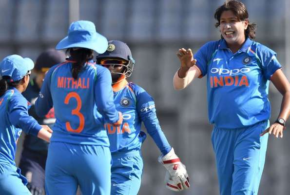India women bundle out England for 161 in 2nd ODI in Mumbai
