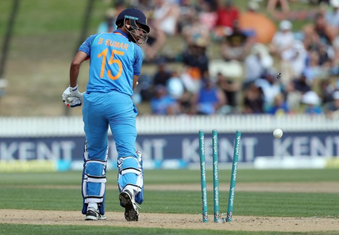 India all out for 92 in 4th ODI match against New Zealand at Hamilton