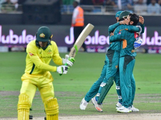 Pakistan beat  Australia in the 2nd T20 match in Dubai; seal series