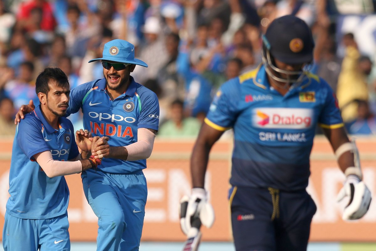 3rd ODI : Sri Lanka collapse to 215 all out after Tharanga