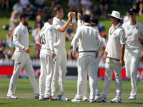 India all out for 165 against New Zealand in first Test match