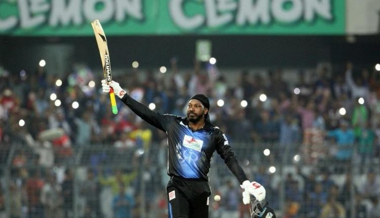 Chris Gayle smashes T20 records in BPL final