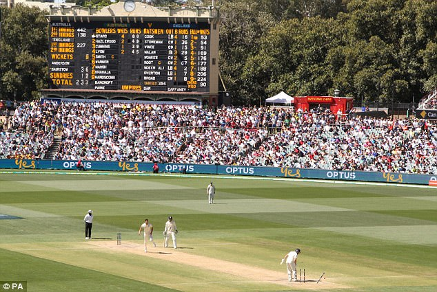 Third Ashes Test hit by reports of bookmakers