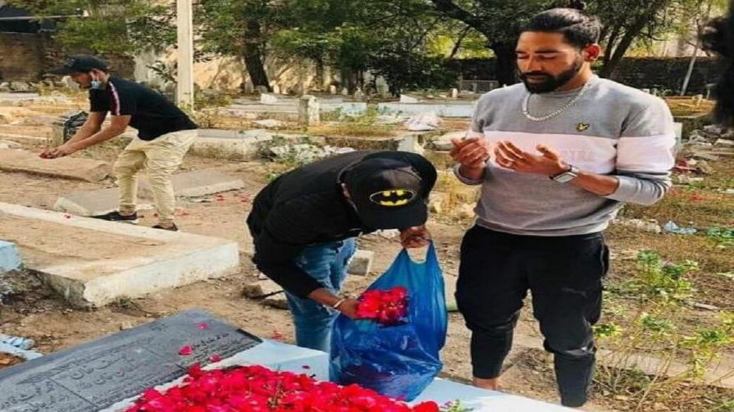 Mohammed Siraj firstly visits father
