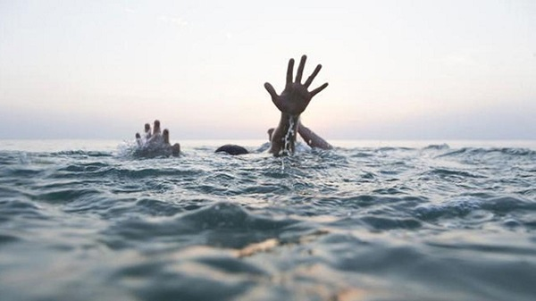 Two students drown while taking selfies in AP.