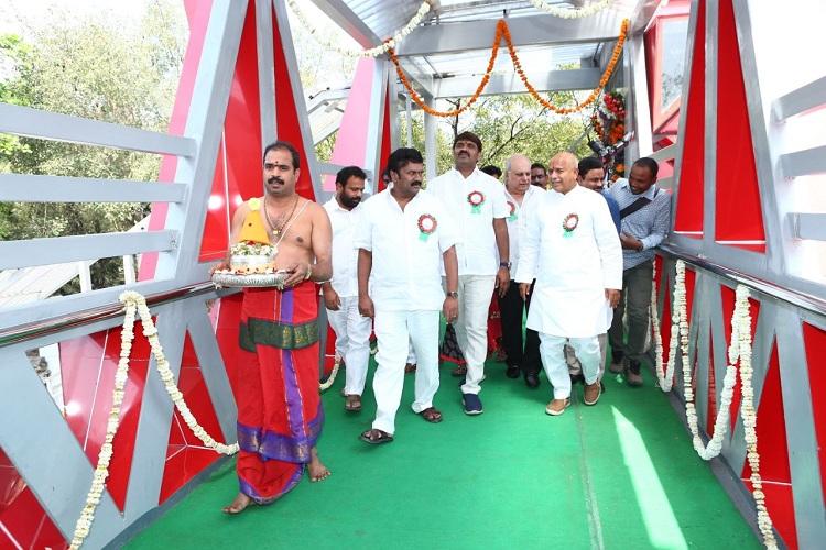 Home Minister N.Narasimha Reddy inaugurates foot-over-bridge at Banjara Hills
