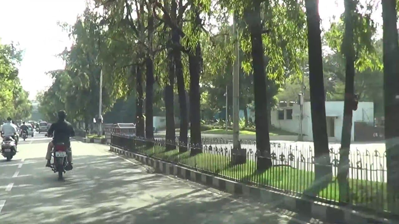 Police issues traffic curbs at Raj Bhavan Road for I-Day