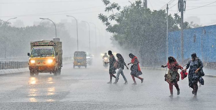 Heavy rains likely to continue in Hyderabad