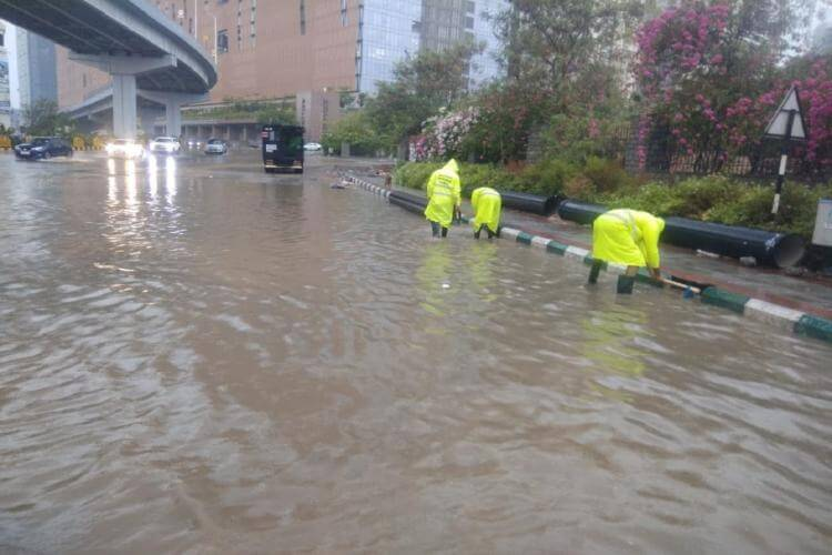 Hyderabad leaves many areas water-logeed after heavy rainfall