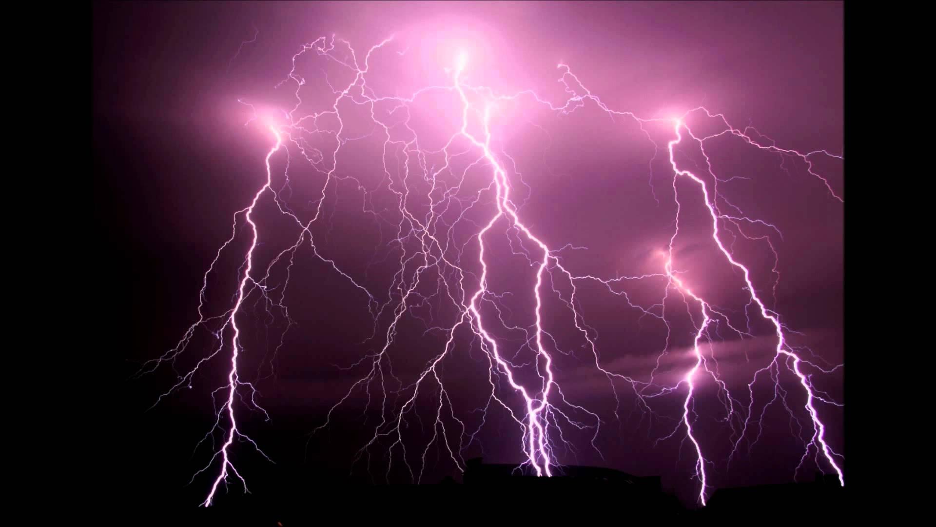 Thunder showers lash districts of Telangana