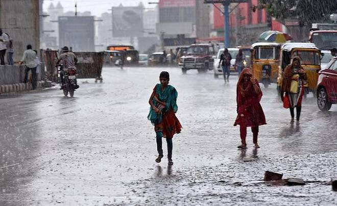 Moderate rainfall records in Hyderabad on Monday