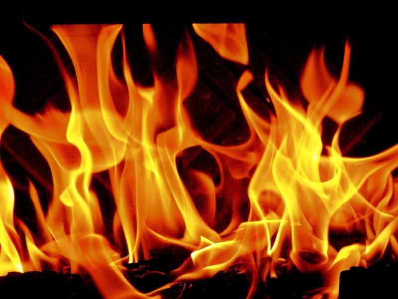 firebreaksoutinfourgodownsatbahadurpura