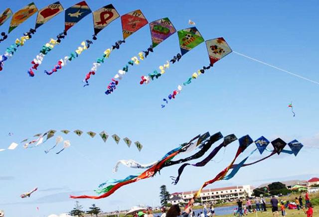 Deputy CM Mahmood Ali launches International Kite Festival