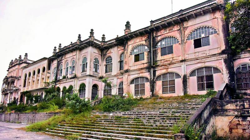Telangana HC tells Errum Manzil is on heritage buildings list