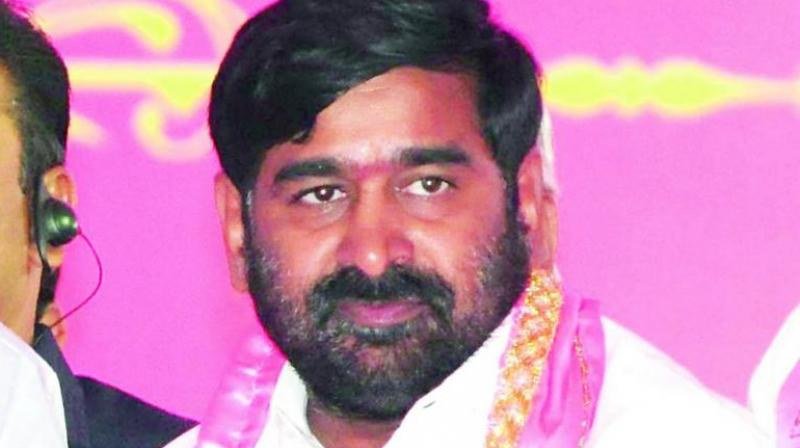 Maintain social distance to contain coronavirus: Jagadish Reddy