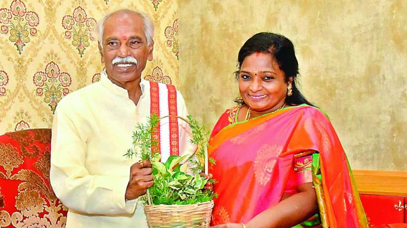 Give notebooks, books, dictionaries instead of bouquets: T Soundrarajan