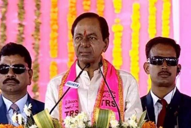 Federal front push of TRS is against NDA: Veerappa Moily