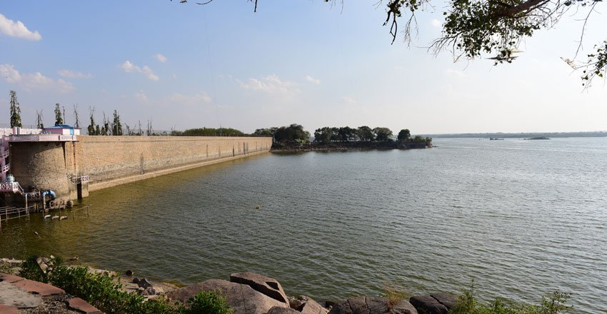 Inflows recedes in twin reservoirs Himayat Sagar and Osman Sagar