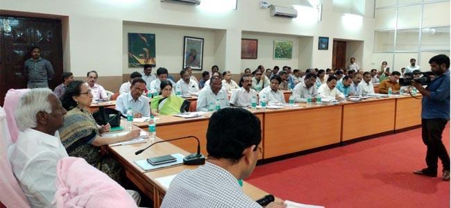 Enrolments in Telangana government schools increased: Kadiyam Srihari