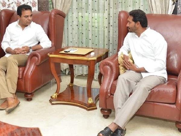 KT Rama Rao, YS Jagan Mohan Reddy strike a Federal Front deal