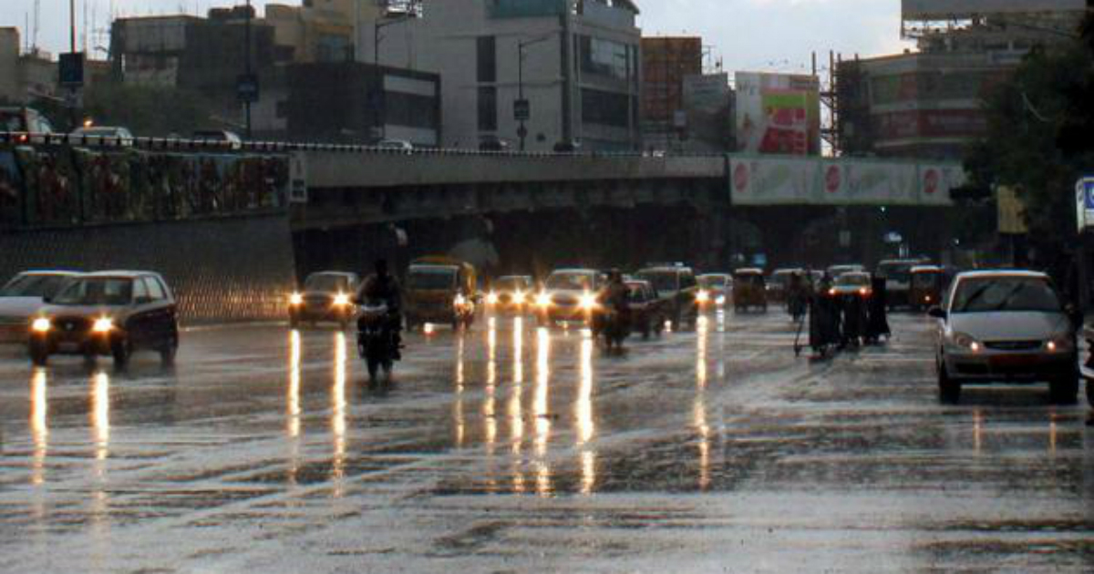 Light showers bring temperature down by 2 degree Celsius in Hyderabad