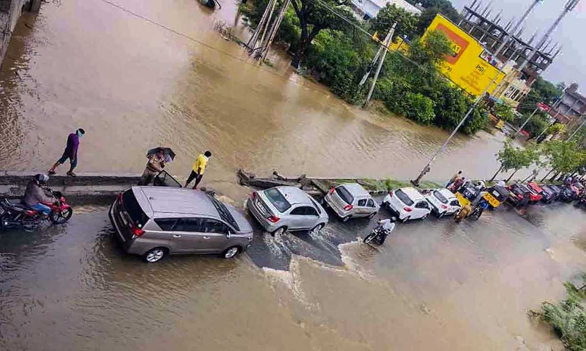 Rains affects normal life in Telangana