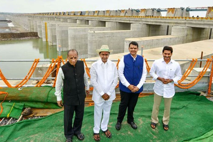 KCR spends Rs 1.66 crore public money on gifts for VIPs at Kaleshwaram inauguration