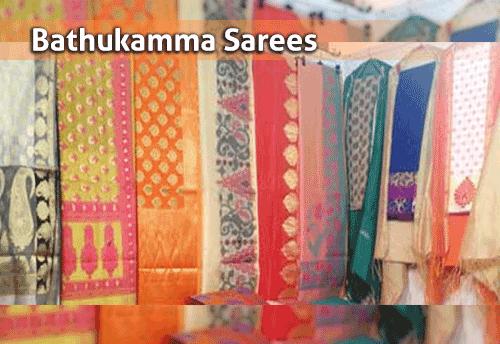 GHMC distributes 90,000 sarees