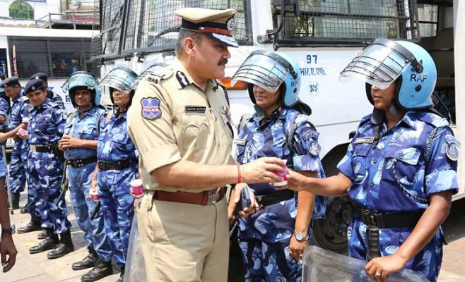 Police Commissioner Anjani Kumar inspects security arrangements at Mecca Masjid
