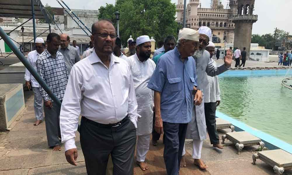 Muffakham Jah Bahadur inspects work at Mecca Masjid