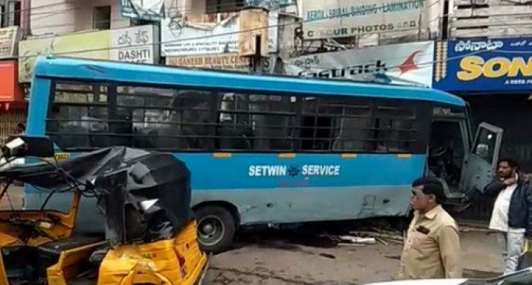 A SETWIN bus rammed into a shop in Secunderabad; three injured